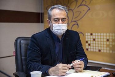 اردشیر دادرس رییس انجمن CNG  در آیین رونمایی از کتاب اتوگاز