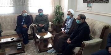 دیدار فرمانده سپاه و فرمانده ستاد کرونا تهران با مادر شهید عسگری در اسلامشهر