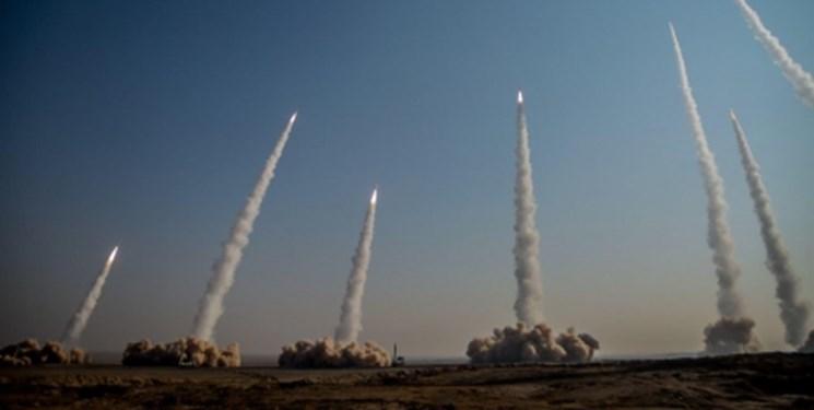 قدرت موشکی حرکتی رو به جلو و بدون توقف/  امنیت ملی در سایه اقتدار نظامی و دفاعی