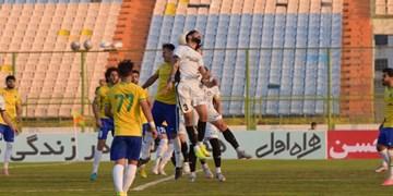 برتری گل گهر در نیمه اول بازی مقابل تیم نفتی