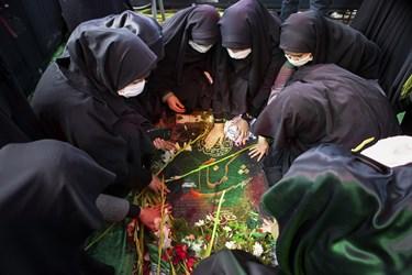 قرائت فاتحه بر مزار مطهر شهید گمنام دفاع مقدس در دانشگاه فرهنگیان تبریز