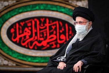 رهبر معظم انقلاب اسلامی در مراسم شام شهادت حضرت فاطمه زهرا(س)