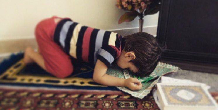 کنج دنج نمازخوانی در خانه/ فرزندمان را به صورت عملی با اهمیت نماز آشنا کنیم