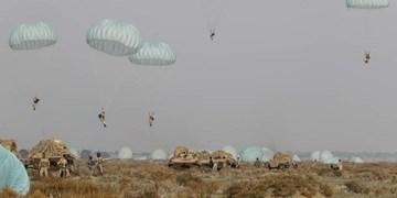 عملیات مشترک هوابرد با تجهیزات مکانیزه هجومی در رزمایش نزاجا