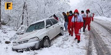 امدادرسانی هلال احمر گلستان به 790 مانده در برف و کولاک