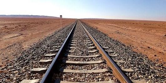 استفاده از ریل تولید داخل در هفت محور راهآهن کشور دستاورد بزرگی است