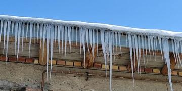 سرما خلخال را به شهر قندیلهای یخی تبدیل کرد
