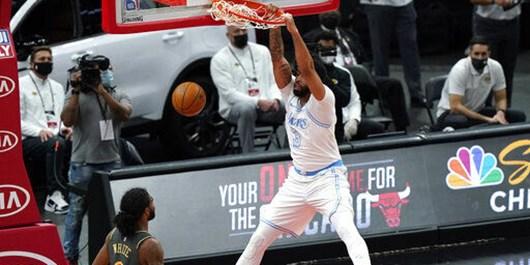 لیگ بسکتبال NBA| تداوم صدرنشینی لیکرز باشکست گاوهای شیکاگو+عکس