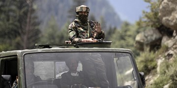 اسپوتنیک| جراحت تعداد زیادی از سربازان هندی و چینی در نتیجه درگیریهای مرزی