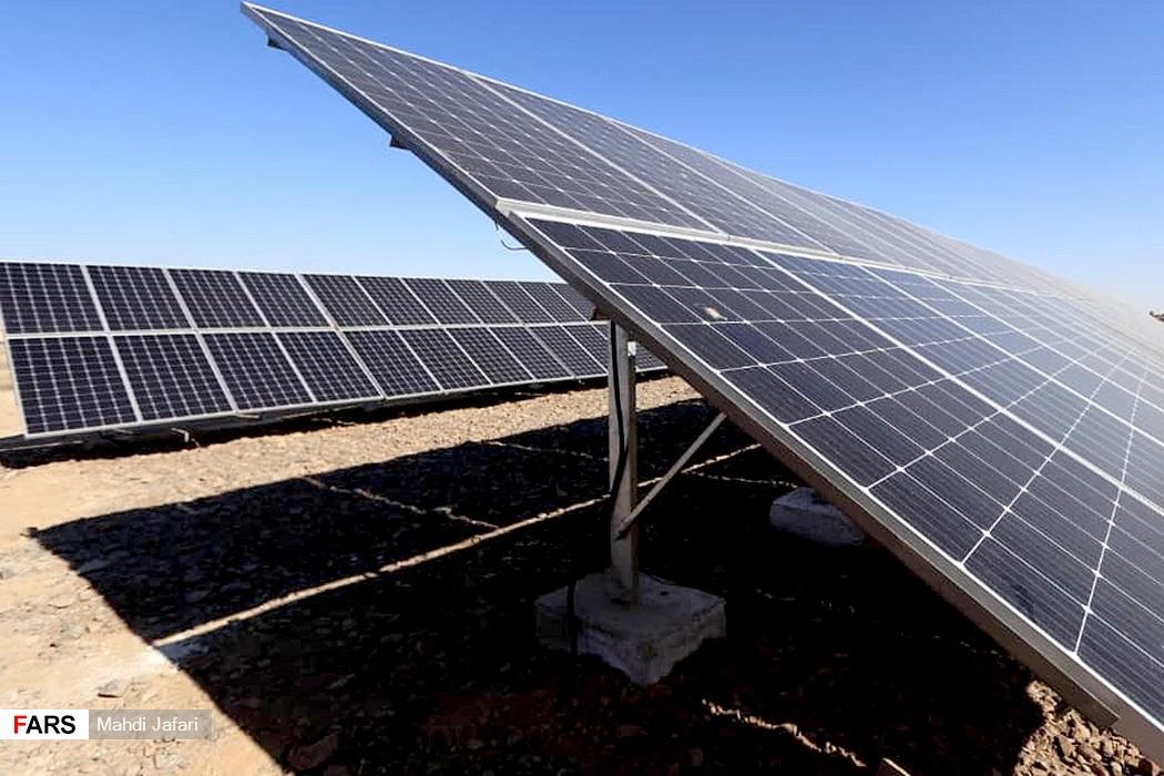 نیروگاه خورشیدی افتتاح شده توسط وزیر نیرو