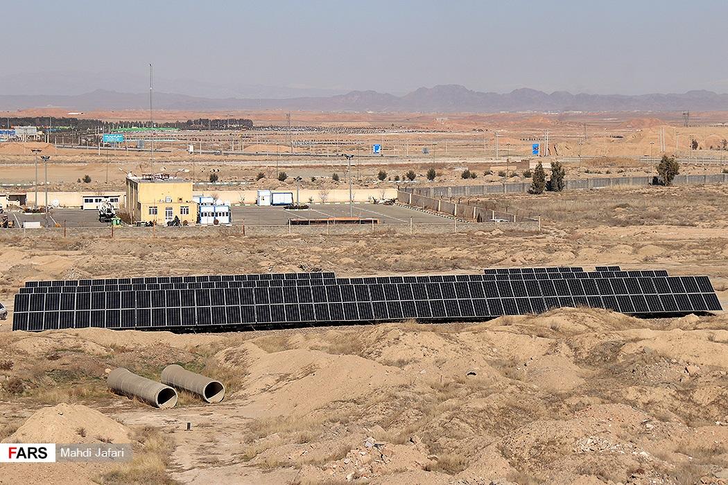 افتتاح پروژههای صنعت آب و برق قم با حضور ویدئوکنفرانسی وزیر نیرو