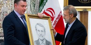 یوسفیان ملا: لاریجانی آرزو ندارد عکسش بر در و دیوار نصب شود