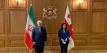ظریف خواستار رفع مشکلات ایرانیان مقیم و کامیونداران ایرانی در گرجستان شد