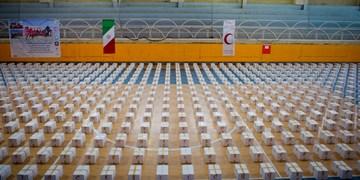 سومین مرحله توزیع ۲۱۰۰ بسته معیشتی هلال احمر آذربایجان شرقی