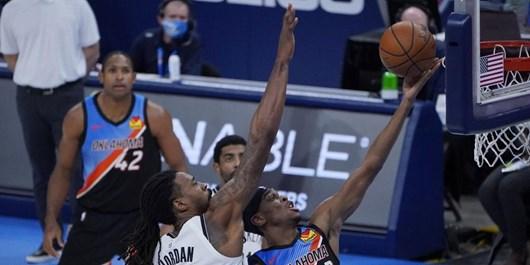 فیلم  پاسکاری جالب بازیکنان صدرنشین لیگ NBA