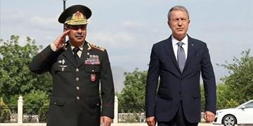 رایزنی وزرای دفاع ترکیه و جمهوری آذربایجان درباره همکاریهای نظامی