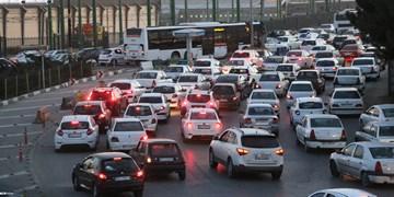ترافیک سنگین در مسیر آزادراهی بین تهران و قزوین/تردد روان در جادههای شمال