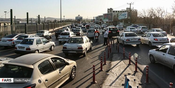 ترافیک سنگین در مسیر رفت و برگشت کندوان و هراز/کاهش تردد کامیون در جادهها