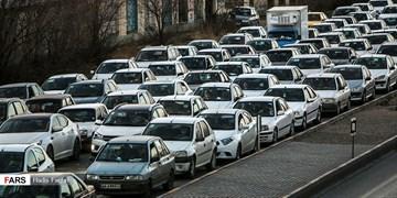 ترافیک سنگین بین کرج و قزوین و تردد روان در جادههای شمال/ 13 جاده مسدود است
