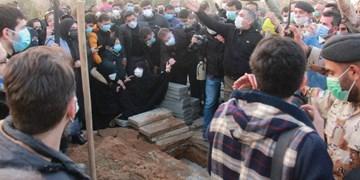 گزارش تصویری از مراسم تشییع و تدفین پیکر علی انصاریان در بهشت زهرا