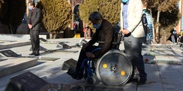 غبارروبی گلزار شهدای  شهرکرد در پنجمین روز از دهه فجر