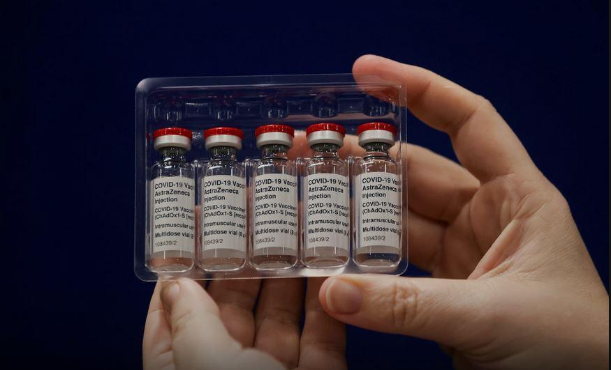 13991120000716 Test NewPhotoFree - توزیع واکسن کرونا از طریق «تیتک»/ آیا وزارت بهداشت از تجربههای شکستخورده عبرت میگیرد؟