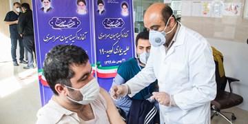 عکس| آغاز واکسیناسیون کادر درمان در بیمارستان بوعلی قزوین