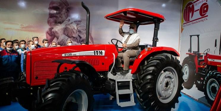 کشاورزان 4000 دستگاه  تراکتور تحویل میگیرند