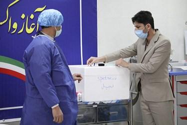 آمادهسازی واکسن کرونا اسپوتنیک برای تزریق به داوطلبان