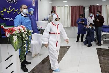 چهارمین تزریق واکسن کرونا اسپوتنیک به اعظم موثقی پرستار بخش ICU  بیمارستان امام خمینی(ره) اردبیل