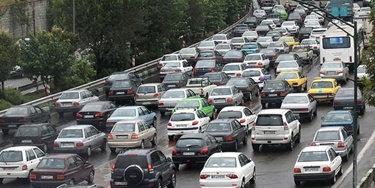 افزایش ۲۳ درصدی تردد خودرو در جاده ها/ ترافیک سنگین در آزادراه کرج-تهران