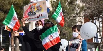 فجر۴۲ خراسان رضوی| راهپیمایی مردم قوچان در چهل و دومین فجر انقلاب
