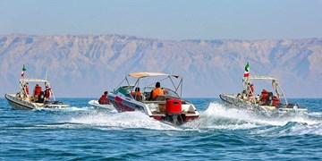فیلم  مانور خودرویی و شناوری بهمناسبت 22 بهمن در کیش