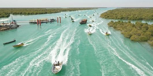 فیلم| رژه خودرویی و شناوری 22 بهمن در جزایر خلیج فارس