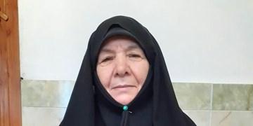 بازخوانی خاطرات زنان مبارز| پول نفت را  دادم عکس امام خریدم/ مقنعهام را هدیه دادم