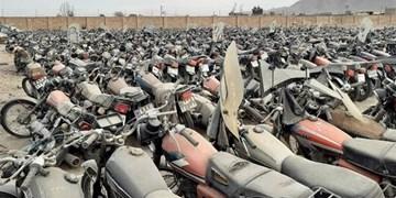 ۲۰ درصد از موتورسیکلتهای رسوبی قشم ترخیص شد