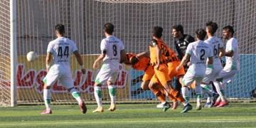 توقف تیم فوتبال ذوبآهن اصفهان در بازی دوستانه