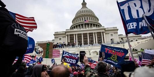فارین پالیسی: آمریکا تمام نشانههای قرار گرفتن در آستانه جنگ داخلی را دارد