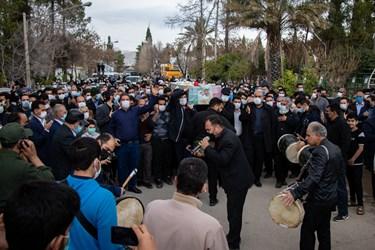 مراسم تشییع و خاکسپاری شهید مدافع امنیت محسن جعفری در دارالرحمه شیراز