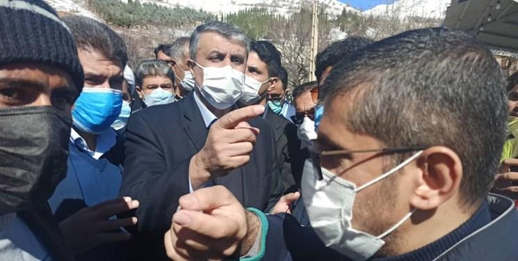 مسئولان در جمع زلزلهزدگان «سیسخت» چه گفتند؟/ از انتقال پیام رئیس جمهور تا وعده حمایت + فیلم و عکس
