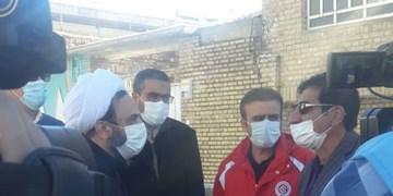 بازدید فرزند آیتالله مصباح یزدی از مناطق زلزلهزده سیسخت+عکس