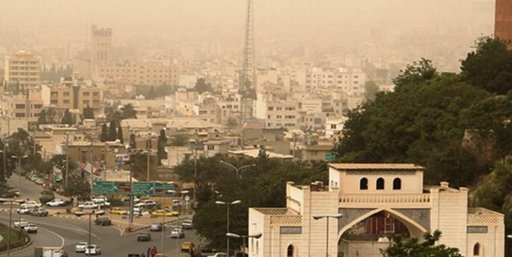 چتر خاکستری بر سر شهروندان شیرازی/ به تعویق انداختن خروج کارخانهها از شیراز به بهانه معیشت کارگران