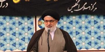 تجلیل نماینده رهبر انقلاب از دبیر مجمع انجمنهای اسلامی دانشجویان منطقه بریتانیا