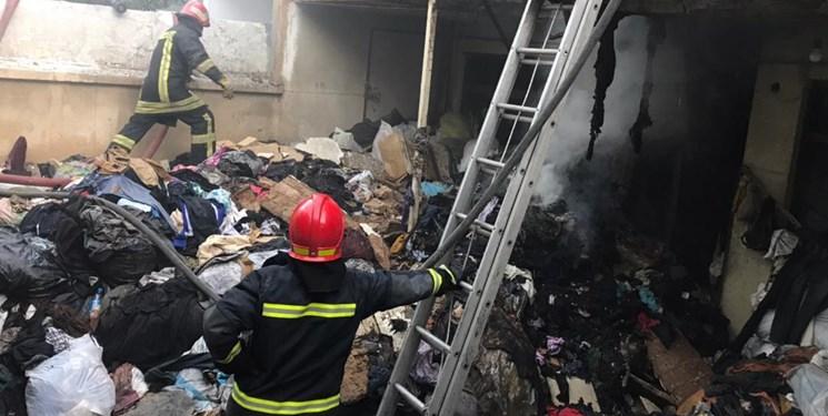 آتش سوزی انبار لوازم خانگی در گناوه مهار شد