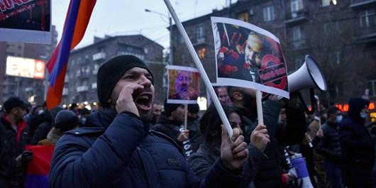 رئیس جمهور ارمنستان: نیروهای مسلح باید در امور سیاسی  بی طرف باشند