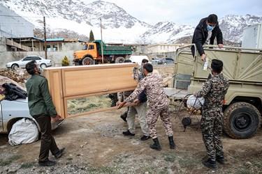 امداد رسانی در مناطق زلزله زده سیسخت