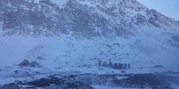 البرز یخ میزند/پیش بینی ریزش بهمن و سنگ در محورهای کوهستانی