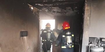 مهار آتشسوزی در آپارتمان چهار طبقه مسکونی