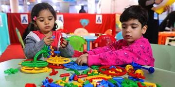 روانشناس کودک: گاهی والدین با ارائه محتوای غیراخلاقی به کودکان آسیب میزنند/ پدر و مادرها مرجع امن پاسخ به سوالات بچهها