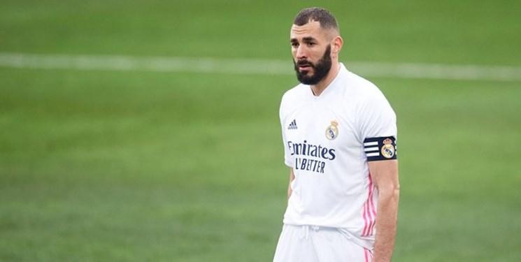 بنزما به چهارمین گلزن تاریخ رئال مادرید لقب گرفت